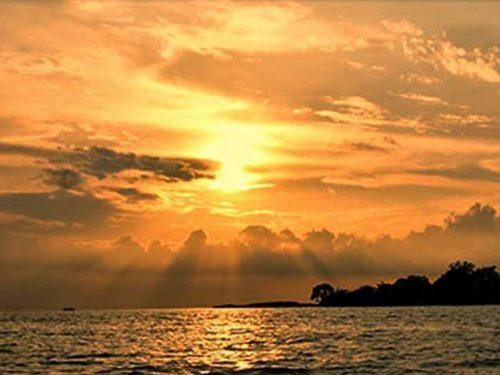 Sunset saat Trip Pulau Harapan