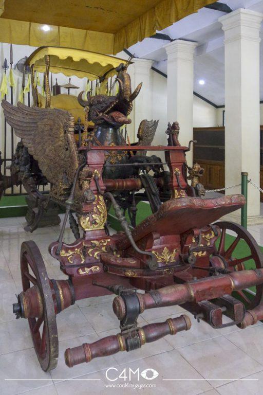 Kereta Singa Barong Keraton Cirebon