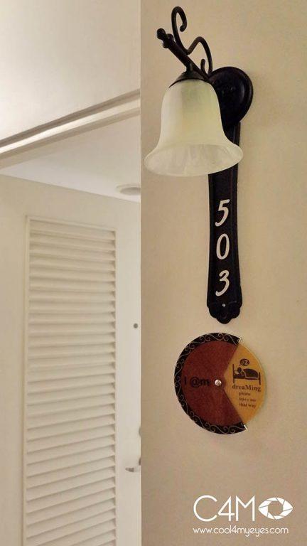Lampu hias dan room sign yang unik